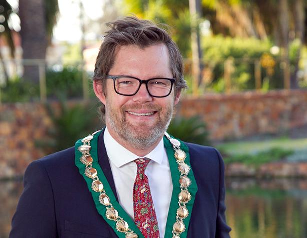 Cr Dan Bull - Mayor
